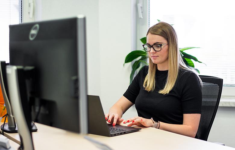 ERP tester s nemeckým a anglickým jazykom
